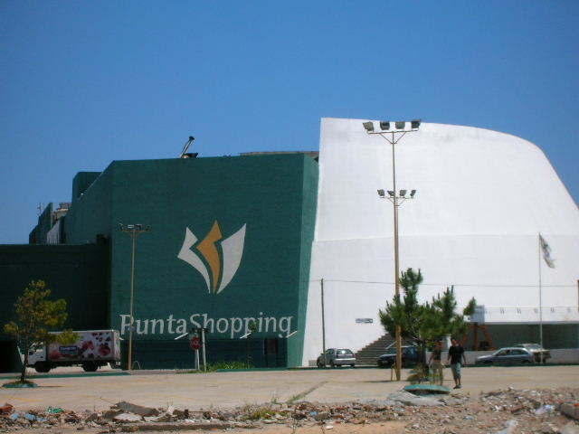 Punta shopping Uruguay pictures